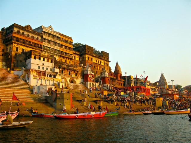 Varanasi Ghat1